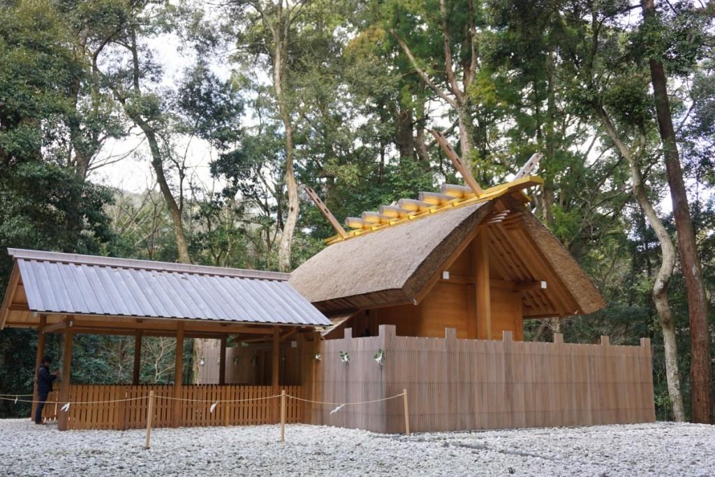 A shinmei-zukuri sanctuary.