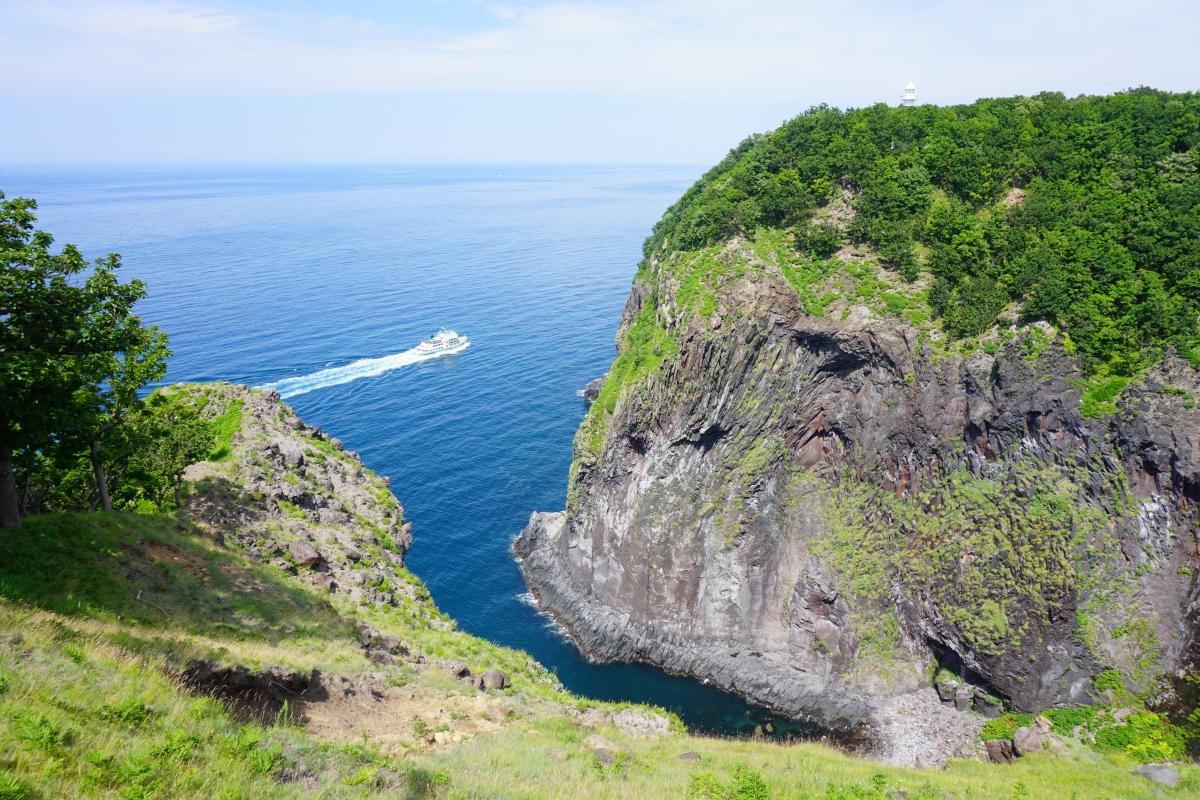 Shiretoko boat Hokkaido