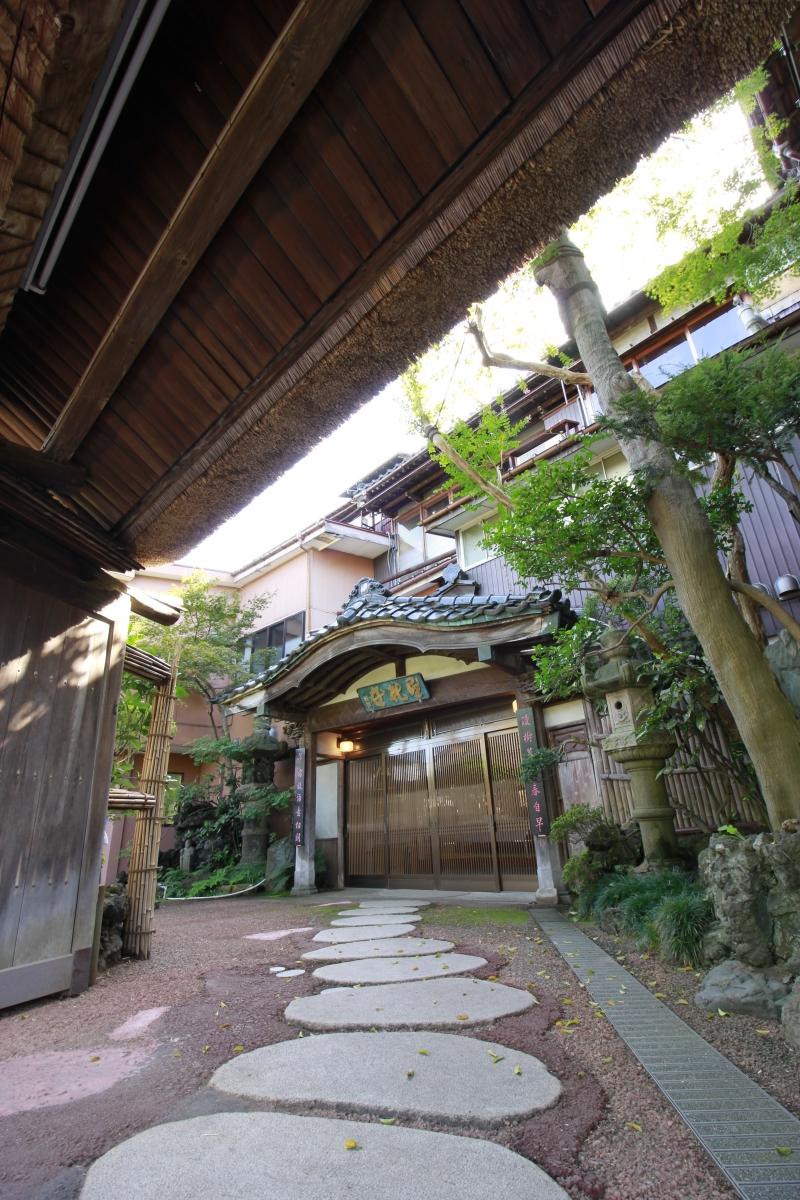 ukiyo entrance